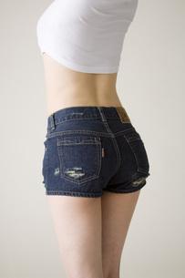 女性後ろ姿の写真素材 [FYI00049547]