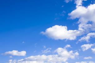 青空と雲の写真素材 [FYI00049925]