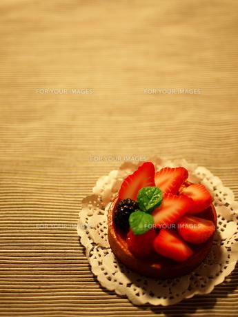 イチゴのケーキの写真素材 [FYI00050485]