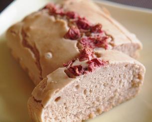 桜のパウンドケーキ-2の写真素材 [FYI00050499]