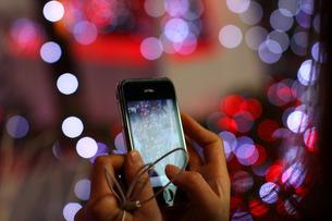 iPhoneでイルミネーションを撮影の素材 [FYI00050697]