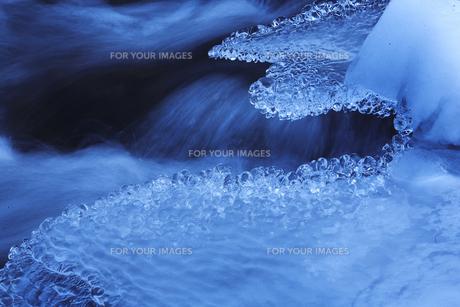 冬の川の素材 [FYI00050782]