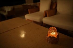 真夜中のロビーの写真素材 [FYI00050813]