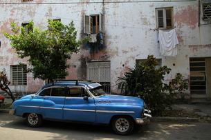 キューバのオールドカーの素材 [FYI00051024]