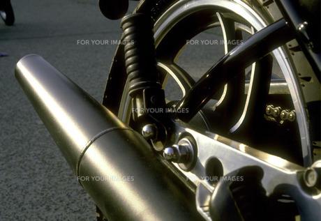 バイクのマフラーの素材 [FYI00051436]