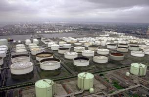 石油備蓄基地の写真素材 [FYI00051445]
