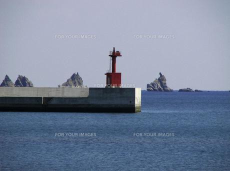 防波堤と灯台の素材 [FYI00051587]