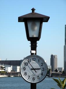 時計のある風景の写真素材 [FYI00051684]
