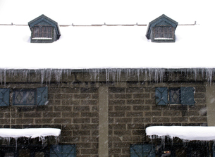 冬の倉庫の素材 [FYI00051860]