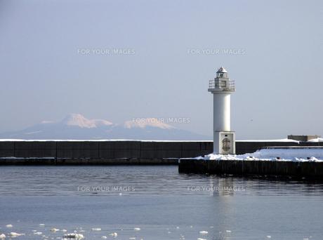冬の灯台の素材 [FYI00051867]