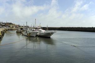 午後の漁港の写真素材 [FYI00052024]