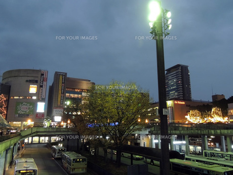 多摩センターの夜の写真素材 [FYI00052305]