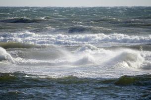 波の写真素材 [FYI00052613]