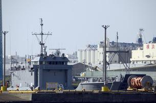 横浜の米軍上陸用舟艇の写真素材 [FYI00052628]