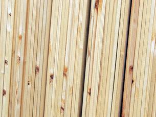 並ぶ材木の素材 [FYI00052635]