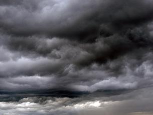 雨雲の素材 [FYI00052707]