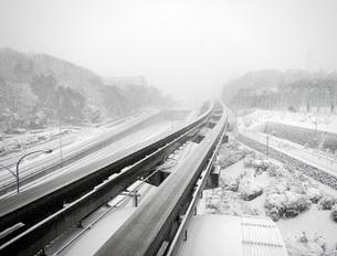 雪の軌道の写真素材 [FYI00052758]