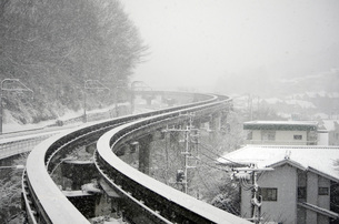 雪の軌道の写真素材 [FYI00052765]
