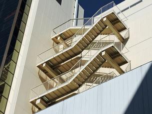 ビルの非常階段の写真素材 [FYI00052783]