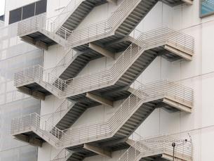 ビルの非常階段の写真素材 [FYI00052811]