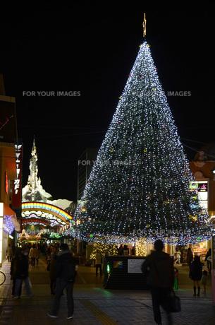 多摩センターのクリスマスイルミネーションの写真素材 [FYI00052850]