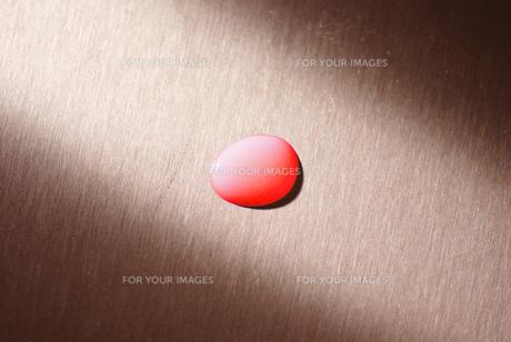 赤い水滴の素材 [FYI00053127]