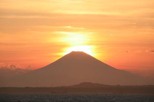 ダイヤモンド富士の写真素材 [FYI00053327]