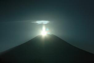 ダイヤモンド富士の写真素材 [FYI00053748]