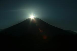 ダイヤモンド富士の写真素材 [FYI00053755]
