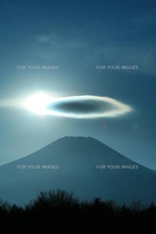 富士山と彩雲の素材 [FYI00053758]