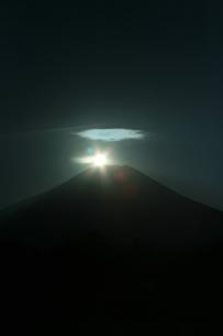 ダイヤモンド富士の写真素材 [FYI00053759]