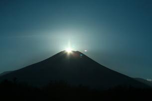 ダイヤモンド富士の写真素材 [FYI00053760]