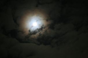 満月の写真素材 [FYI00054395]