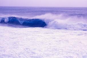 波の写真素材 [FYI00054424]