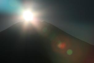 ダイヤモンド富士の写真素材 [FYI00054740]
