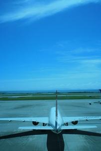 空と飛行機の写真素材 [FYI00055010]