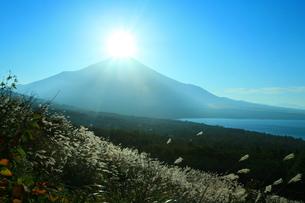 ダイヤモンド富士の写真素材 [FYI00055383]