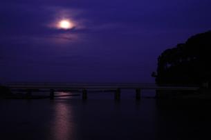満月の写真素材 [FYI00055563]