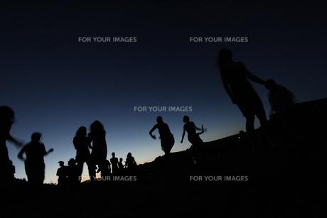 夜のダンスの写真素材 [FYI00056652]