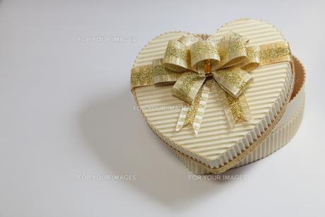 ハート プレゼントの写真素材 [FYI00057185]