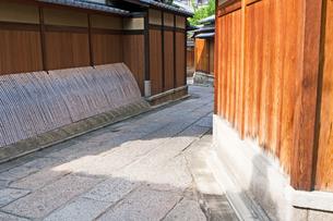 石塀小路の写真素材 [FYI00057216]