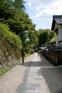 嵯峨鳥居本の街並の写真素材 [FYI00057266]
