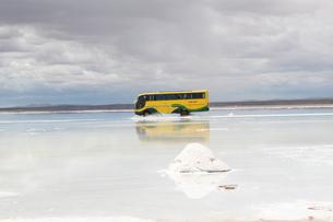 ウユニ塩湖の写真素材 [FYI00057315]