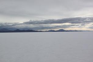 ウユニ塩湖の写真素材 [FYI00057325]