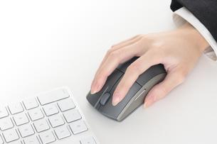 マウス操作 黒の写真素材 [FYI00057327]