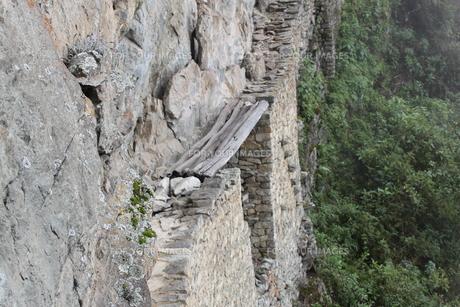 インカ橋の写真素材 [FYI00057340]