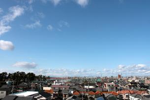 青い空と街並の写真素材 [FYI00057580]