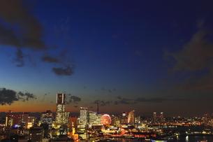 みなとみらい全景  夜景の写真素材 [FYI00058014]