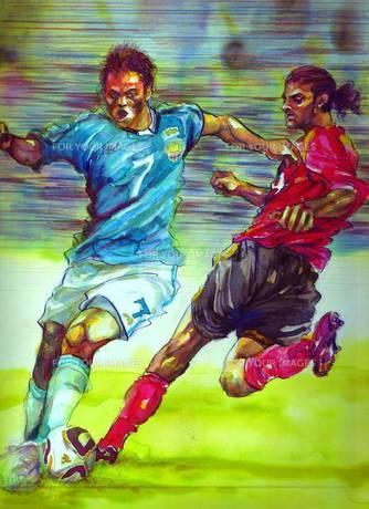 相手ディフェンダーをかわしてドリブルで攻め込むサッカー選手の写真素材 [FYI00058279]