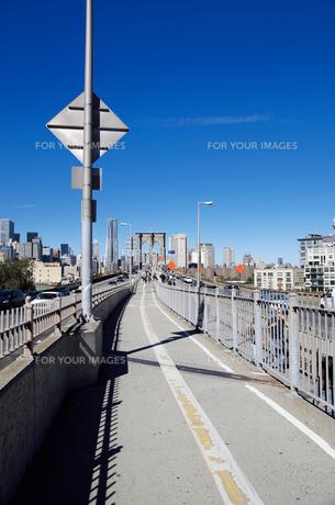 ブルックリン側から見たブルックリンブリッジの写真素材 [FYI00058647]